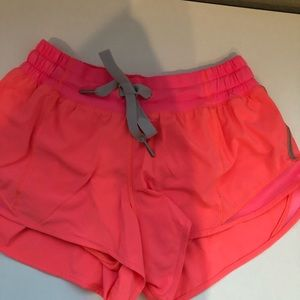 """lululemon athletica Shorts - Hotty Hot Short 2.5"""""""